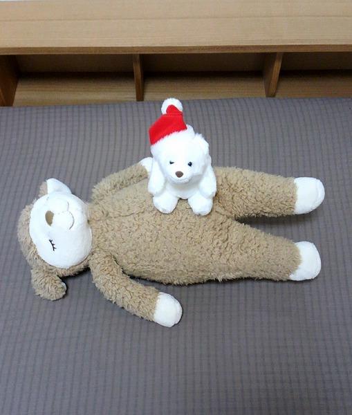 ぬいぐるみ:寝かせる+乗せる=かわいい