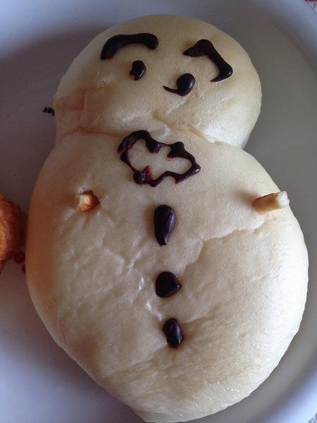 ちださんより、雪だるまパン2