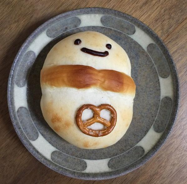 zukkiniさんの奥様より、雪だるまパン
