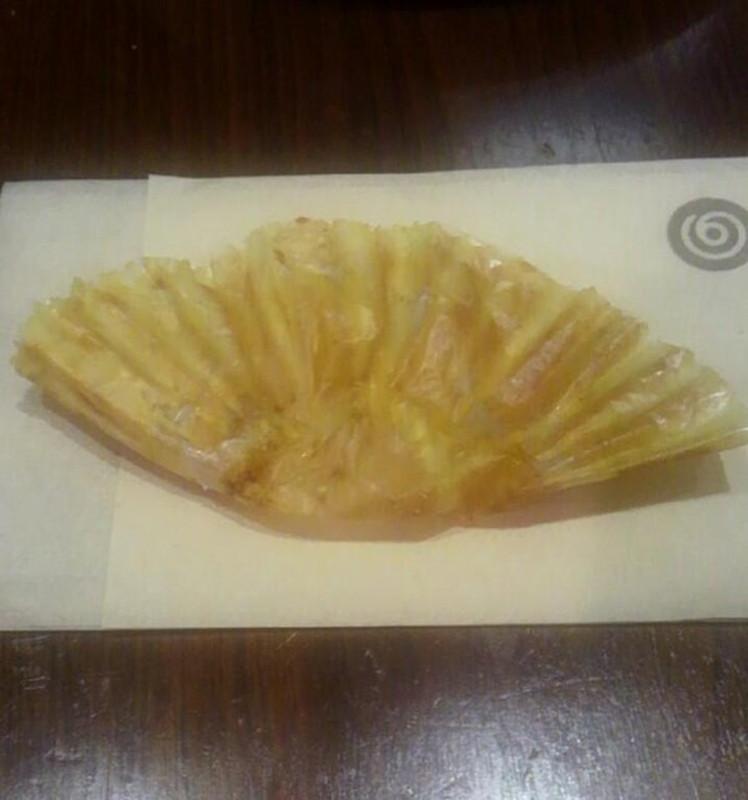 餃子に見えるマフィンの包み紙
